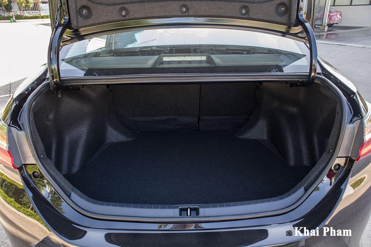 Ảnh Khoang hành lý xe Toyota Corolla Altis 2020
