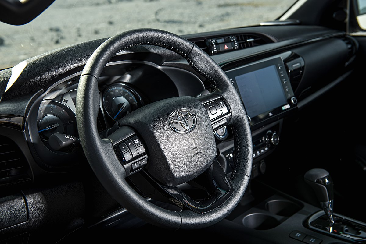 Nội thất Toyota Hilux 2021 mới nhất 1.