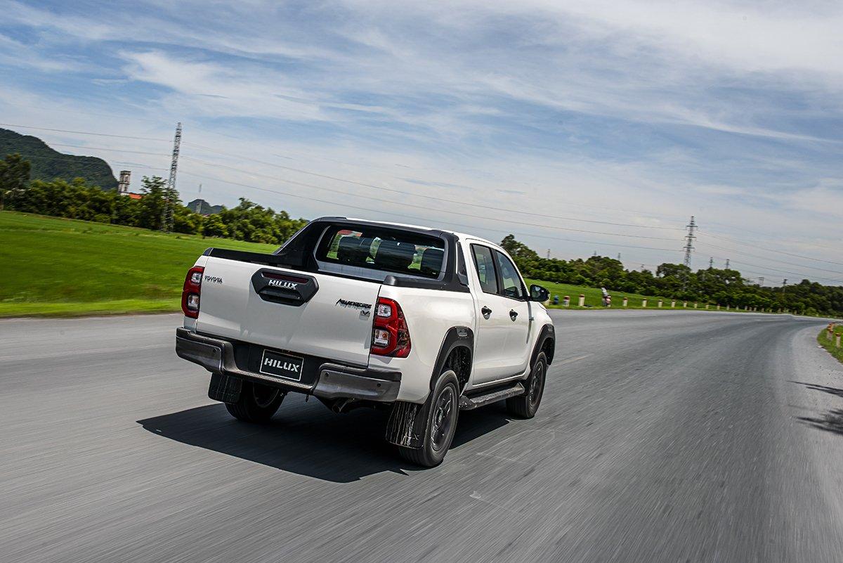 Động cơ Toyota Hilux 2021.