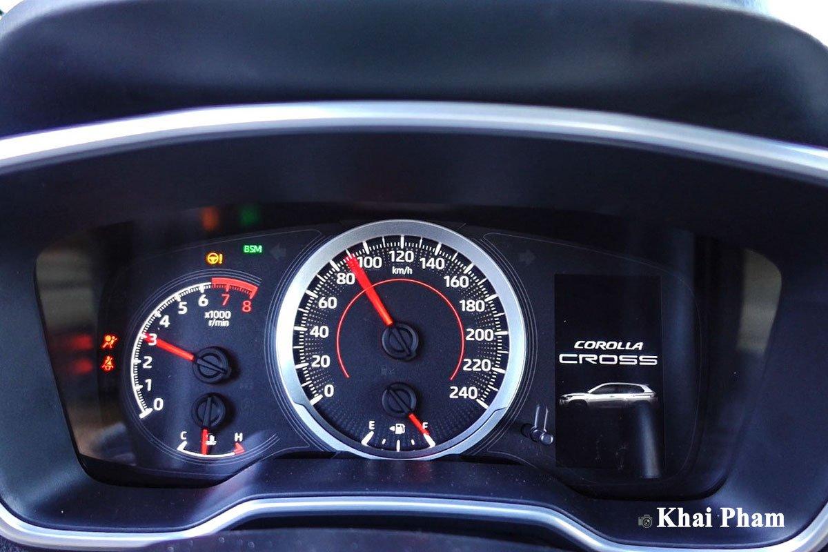 Chi tiết xe Toyota Corolla Cross 2020 vừa cập bến đại lý giá 820 triệu đồng a19