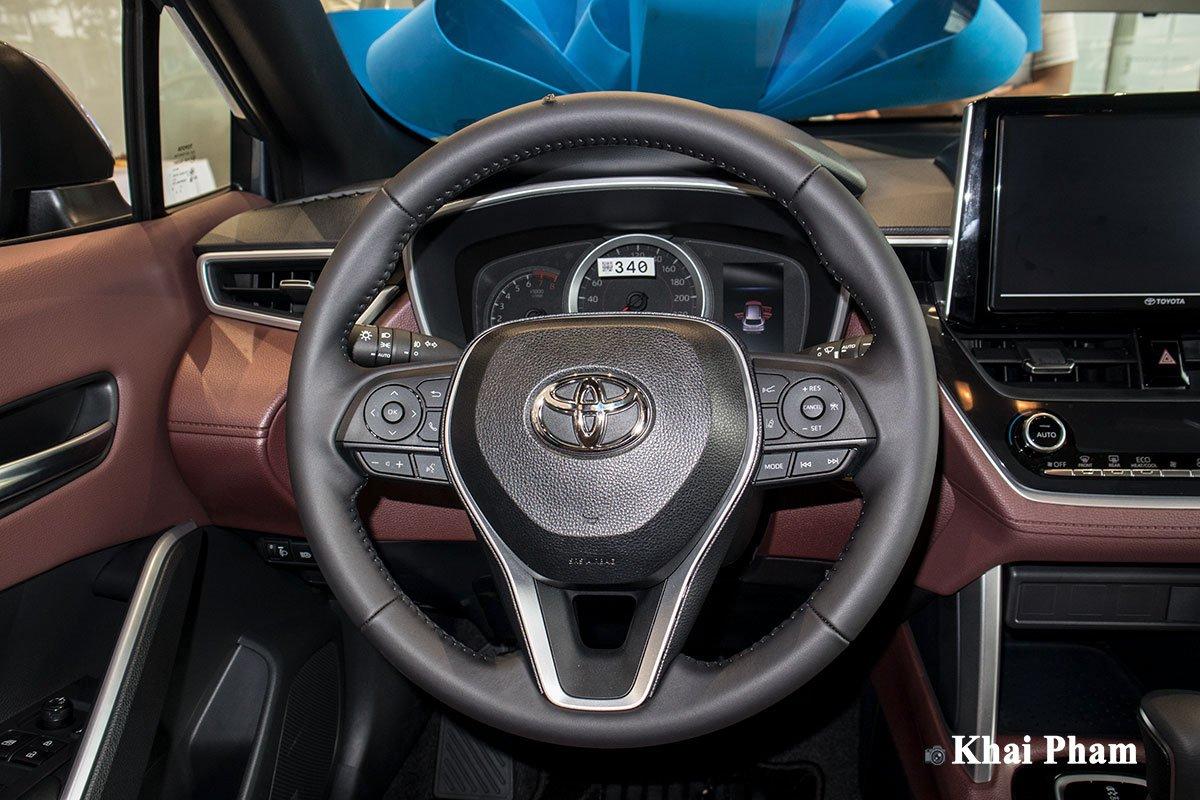Chi tiết xe Toyota Corolla Cross 2020 vừa cập bến đại lý giá 820 triệu đồng a18