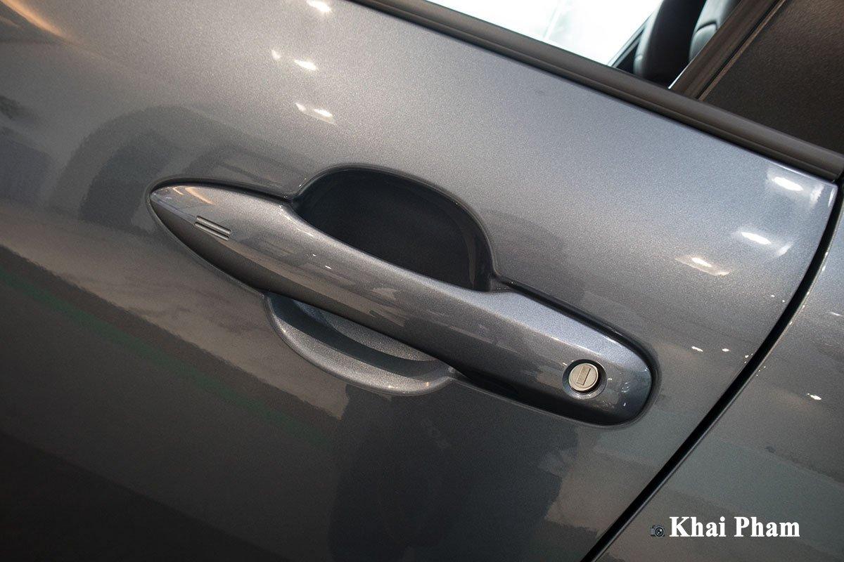 Chi tiết xe Toyota Corolla Cross 2020 vừa cập bến đại lý giá 820 triệu đồng a11