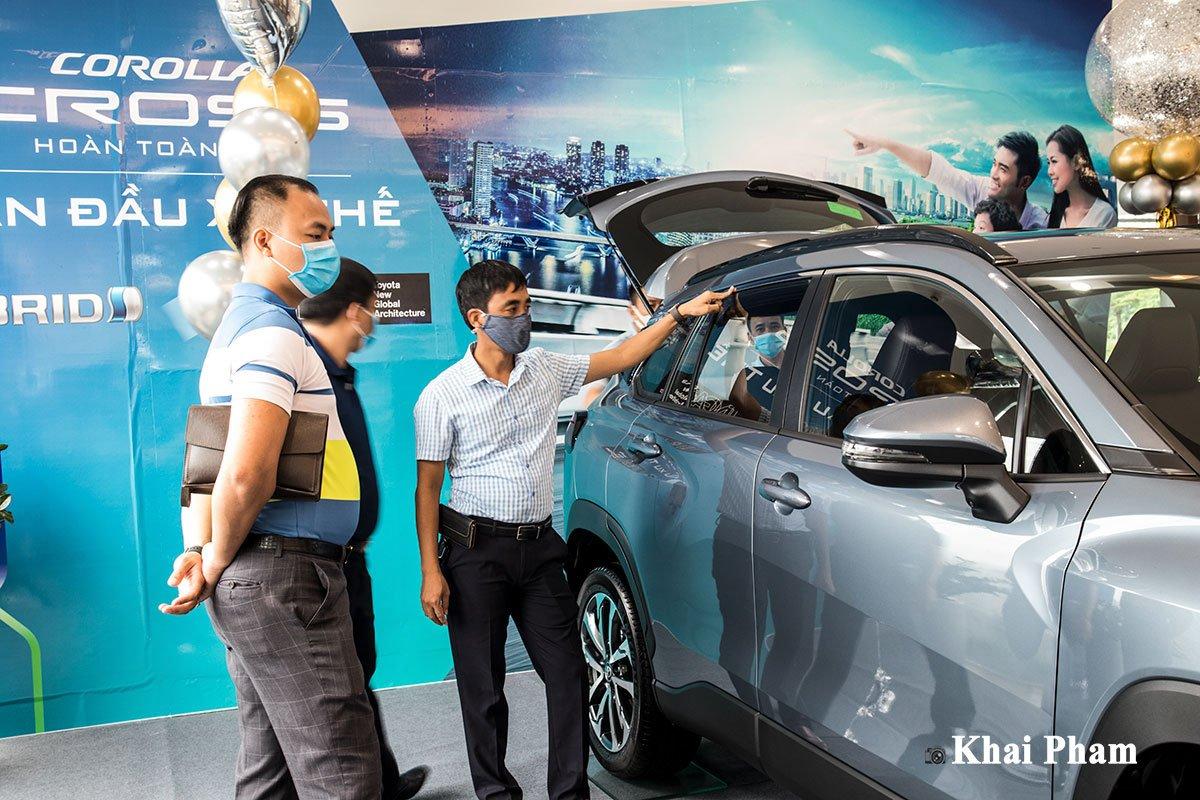 Toyota Corolla Cross 2020 về đại lý, khách hàng trải nghiệm nói gì? a3