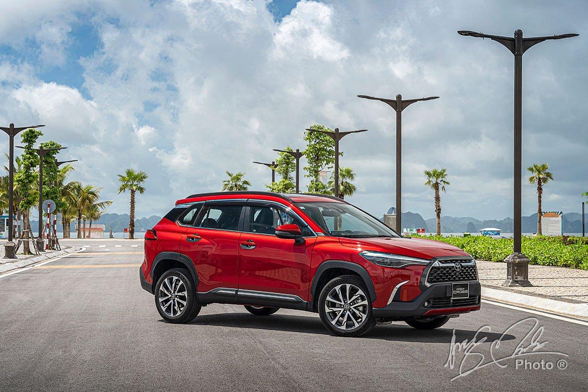 Đánh giá xe Toyota Corolla Cross 1.8V 2020: Tổng thể.