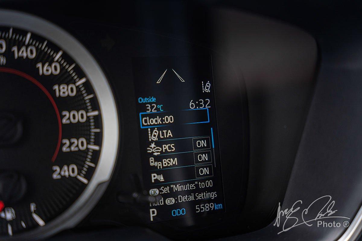 Đánh giá xe Toyota Corolla Cross 1.8V 2020: Các hệ thống an toàn cao cấp.