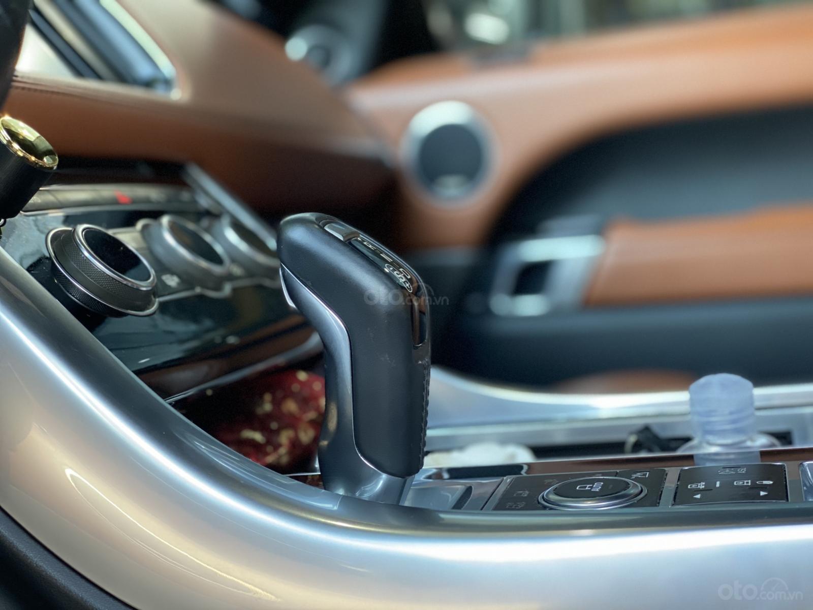 Range Rover Sport Superchac 5.0 sản xuất 2013, đăng ký 2016, đen da bò, hàng siêu hiếm (3)
