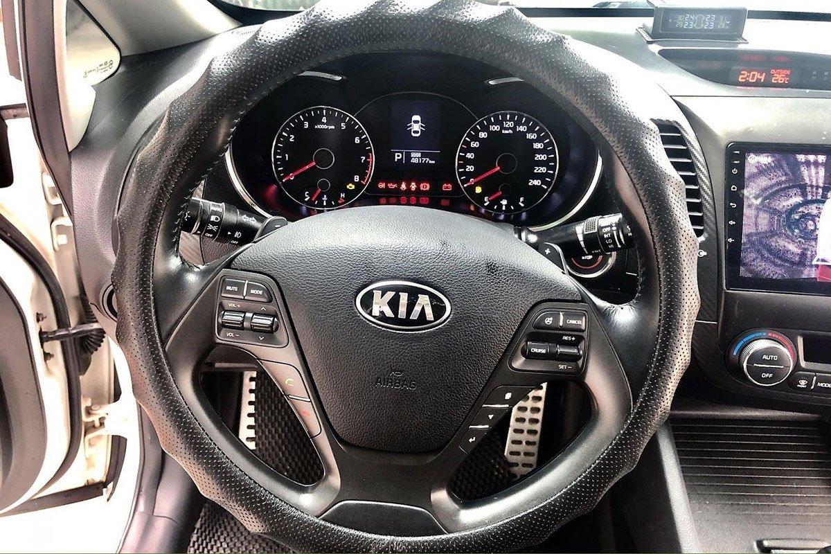 Vô lăng xe Kia K3 2014 1