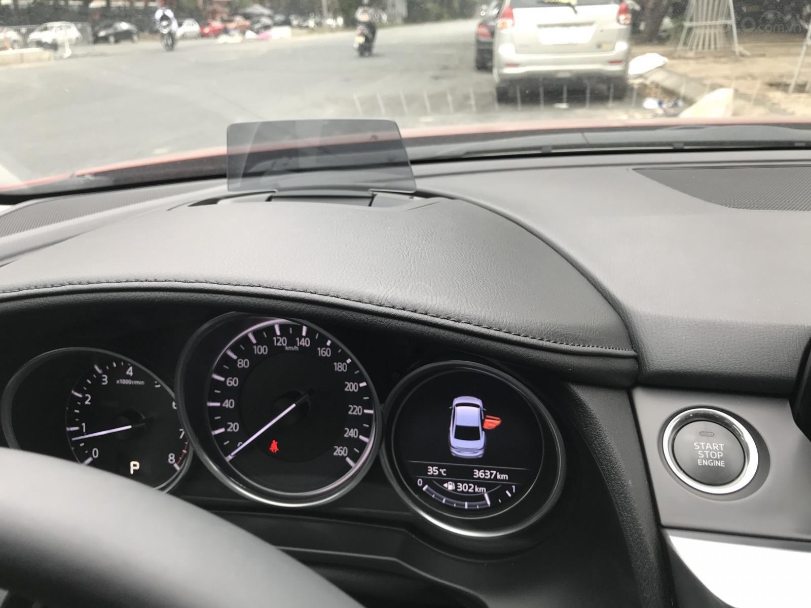 Mazda 6 2.5 Premium 2019 màu đỏ nồng cháy (8)