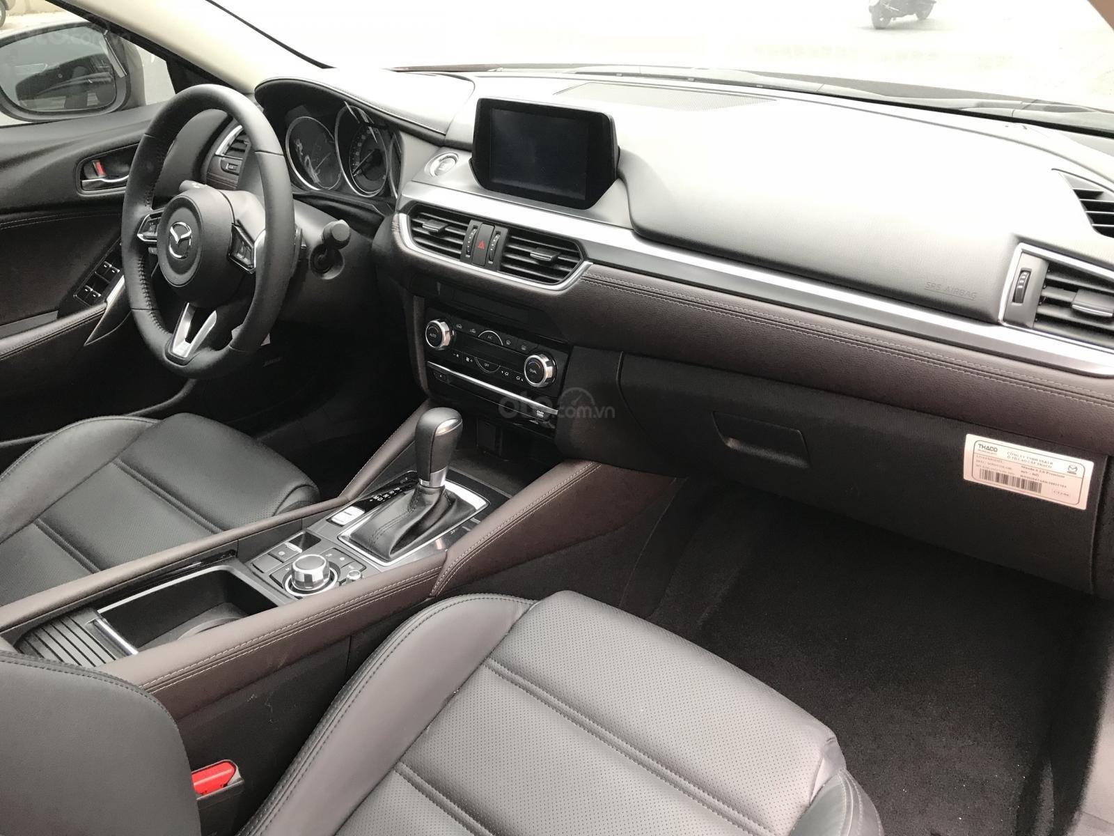 Mazda 6 2.5 Premium 2019 màu đỏ nồng cháy (12)