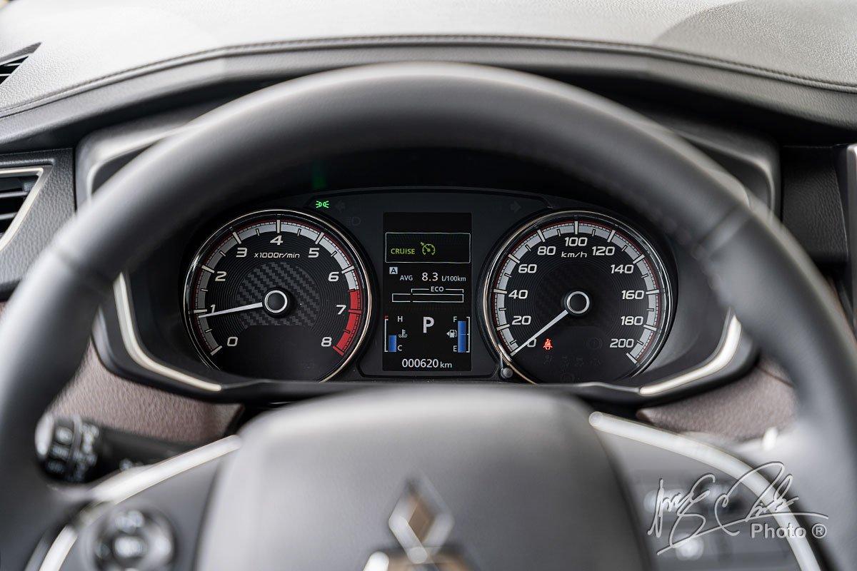 Bảng đồng hồ trên Mitsubishi Xpander Cross 2020.