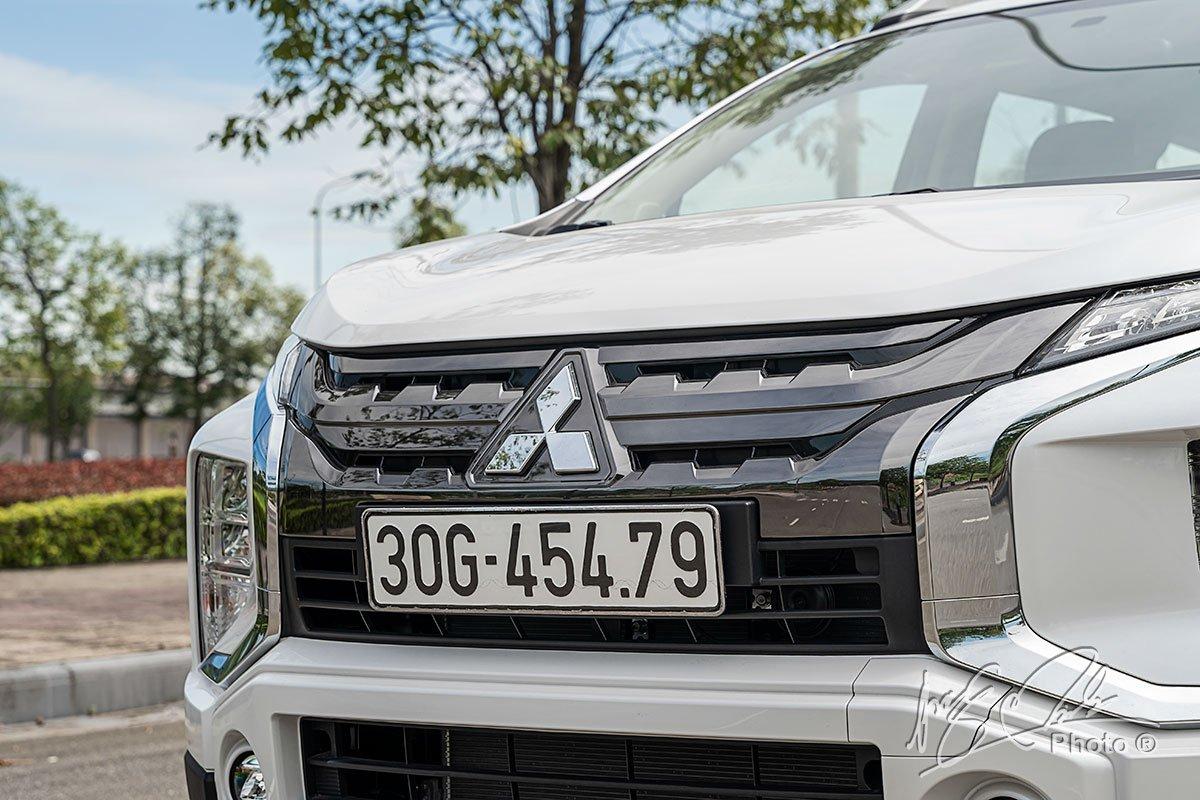 Lưới tản nhiệt mới của Mitsubishi Xpander Cross 2020.