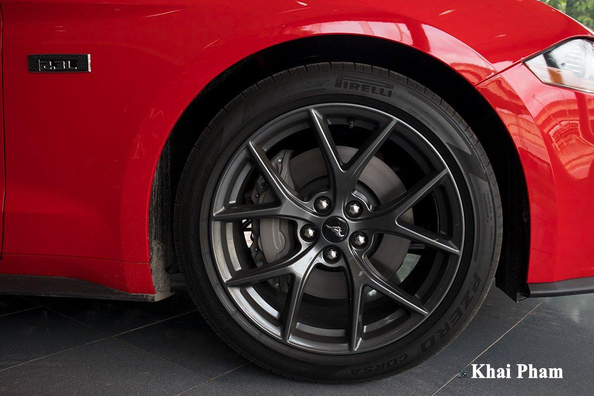 Ảnh la-zăng xe Ford Mustang High Performance 2020