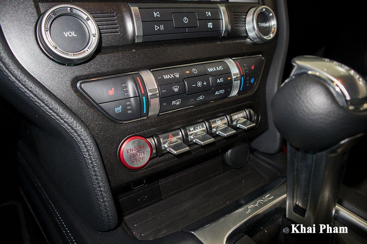 Ảnh điều hoà xe Ford Mustang High Performance 2020
