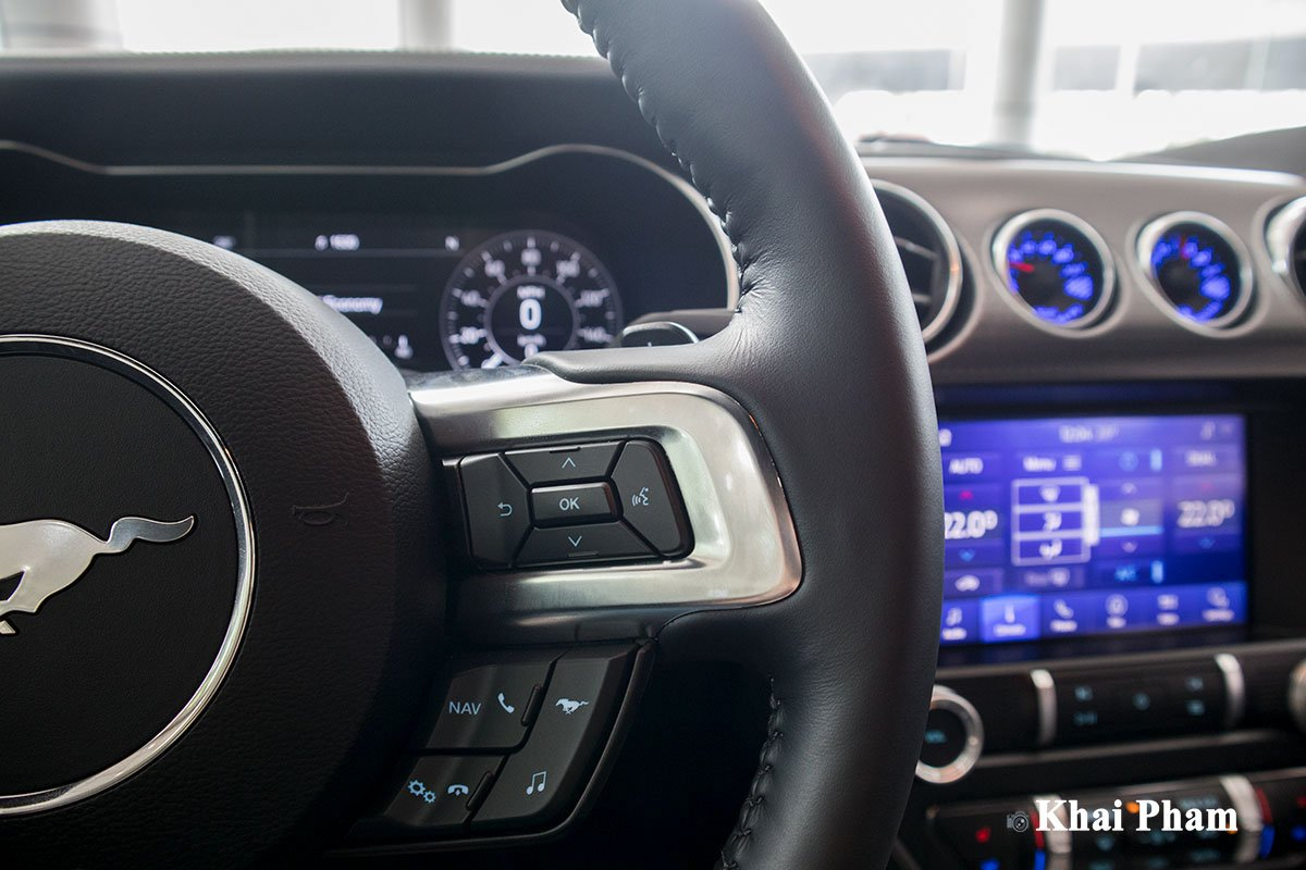 Ảnh nút bấm 1 xe Ford Mustang High Performance 2020