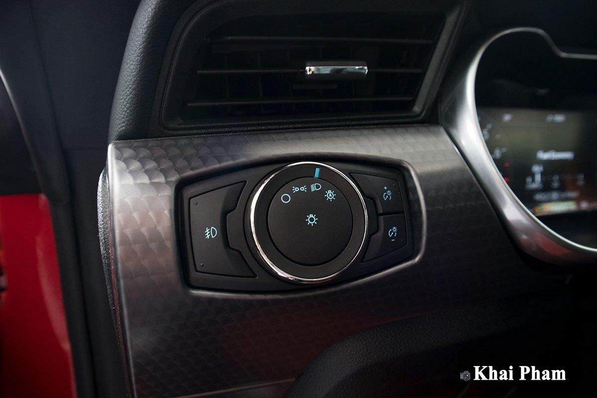 Ảnh  nút chỉnh đèn xe Ford Mustang High Performance 2020
