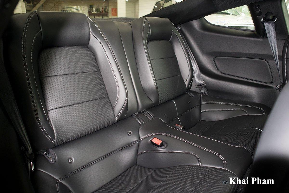Ảnh ghế sau xe Ford Mustang High Performance 2020 q1