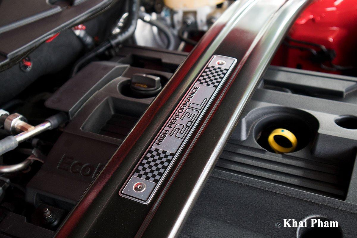 Ảnh động cơ xe Ford Mustang High Performance 2020