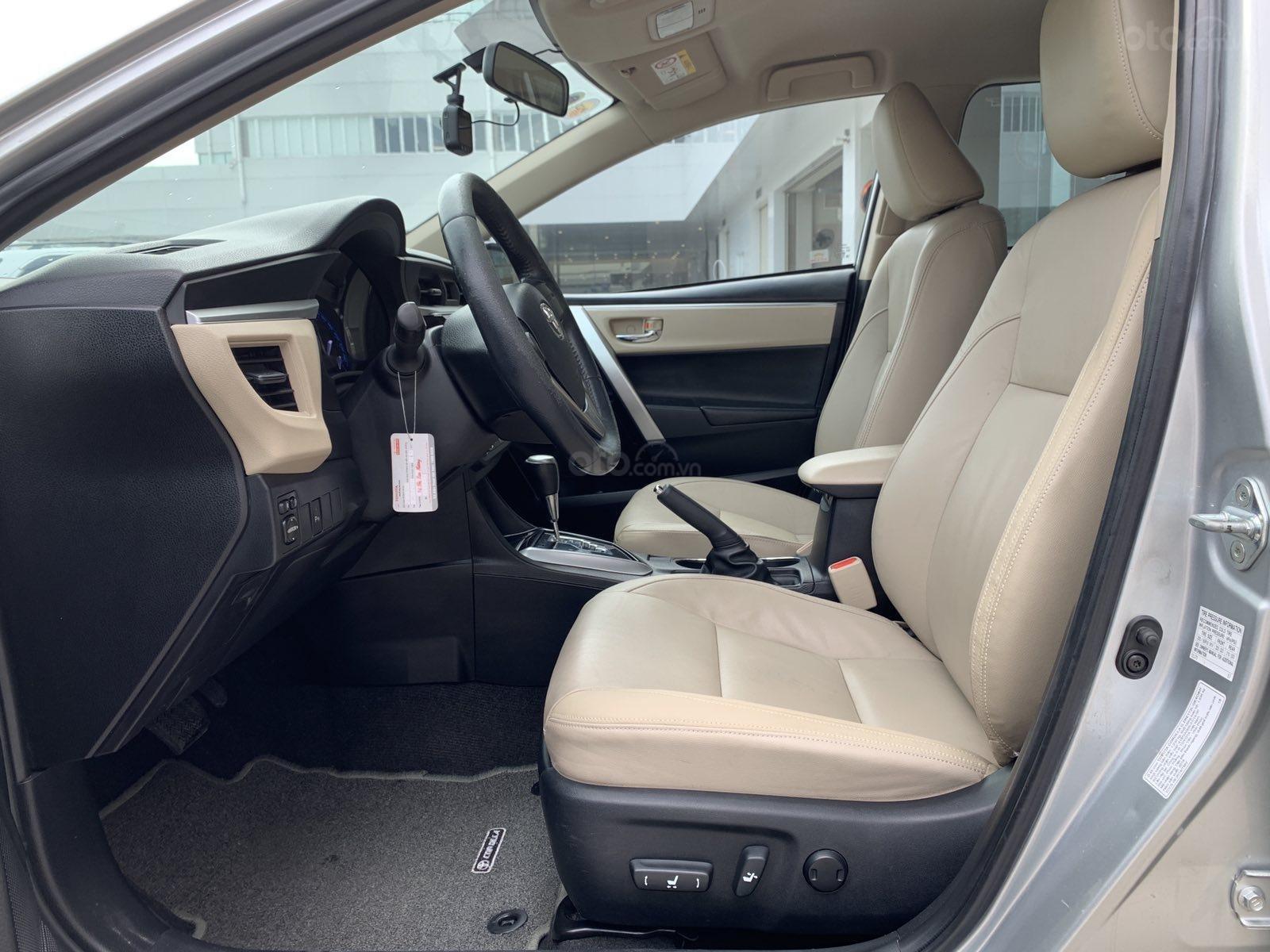 Cần bán xe Toyota Corolla Altis 1.8G CVT 2015 màu bạc đi 69.000km, BS. TpHCM - Xe chất giá tốt chính hãng (6)