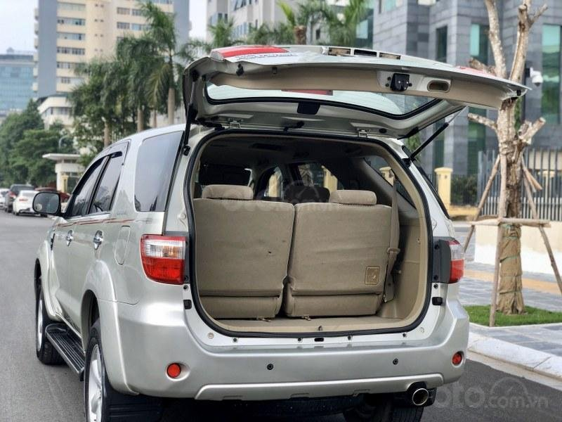 Bán Toyota Fortuner 2011, màu bạc, nhập khẩu nguyên chiếc chính chủ, giá tốt (13)