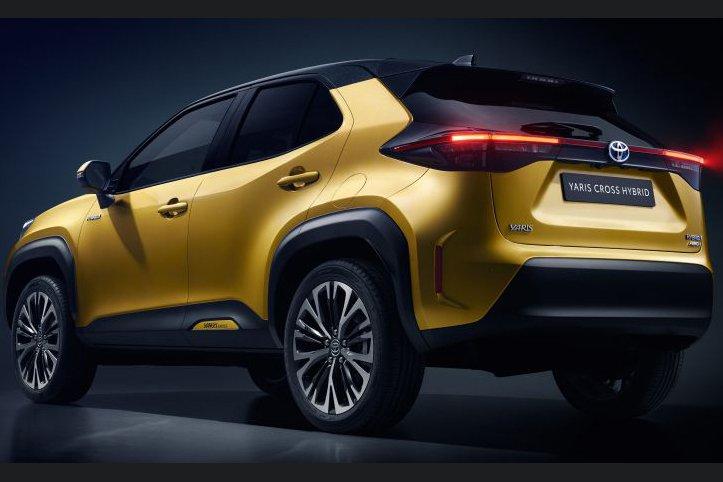 Đánh giá xe Toyota Yaris Cross 2021 về thiết kế đuôi xe.