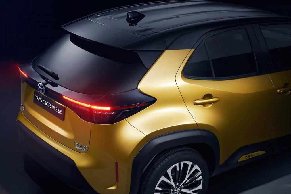 Đánh giá xe Toyota Yaris Cross 2021 về thiết kế đuôi xe - Ảnh 1.