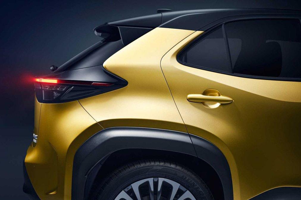 Đánh giá xe Toyota Yaris Cross 2021 về thiết kế thân xe - Ảnh 2.