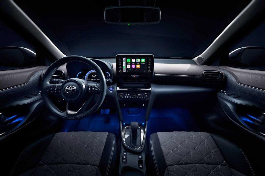 Đánh giá xe Toyota Yaris Cross 2021 về thiết kế nội thất.