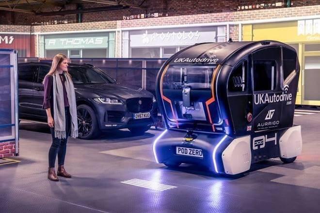 Jaguar Land Rover hướng đến phát triển công nghệ ứng dụng dịch vụ ô tô tự lái.