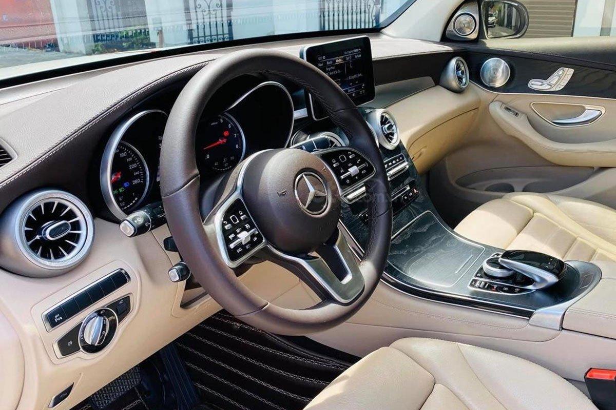 Vô lăng xe Mercedes-Benz GLC 300 4Matic 2017 đã được nâng cấp lên đời 2020 1