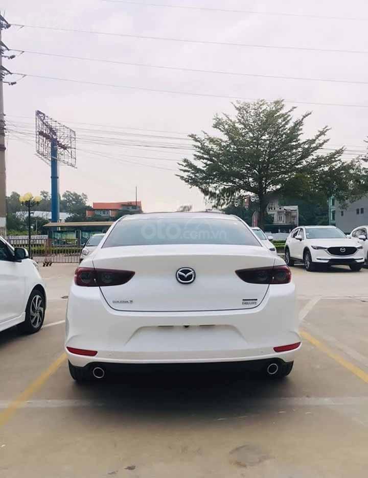 Cần bán Mazda 3 1.5 Deluxe năm 2020, màu trắng, giá 709tr (3)