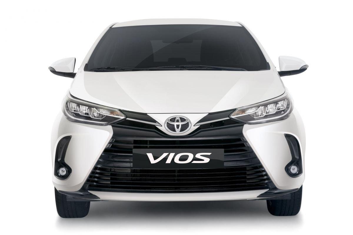 Đánh giá xe Toyota Vios 2021 về thiết kế đầu xe.