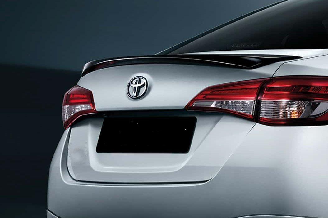Đánh giá xe Toyota Vios 2021 về thiết kế đuôi xe - Ảnh 1.
