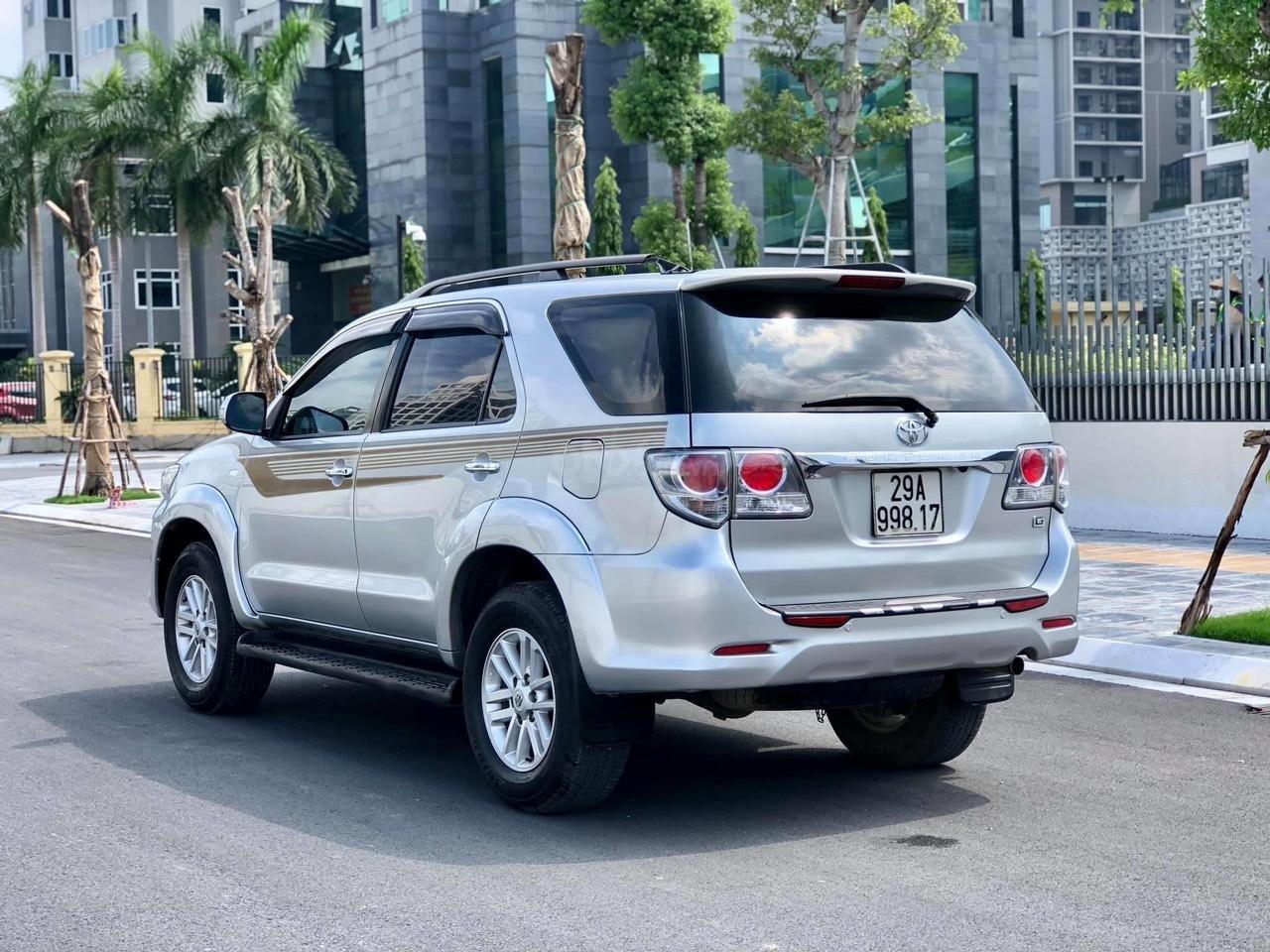 Bán Toyota Fortuner sản xuất năm 2013 giá  thương lượng (1)