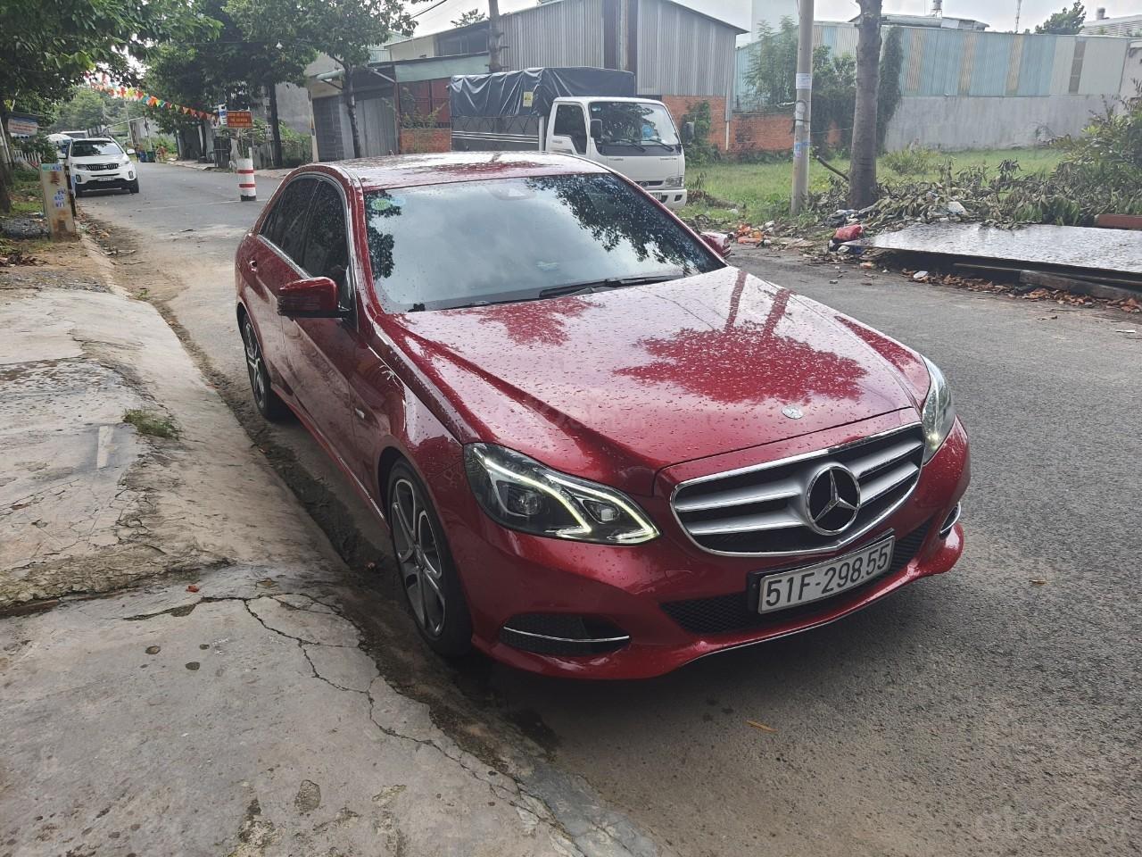 Cần bán xe Mercedes E200 đời 2015 (1)