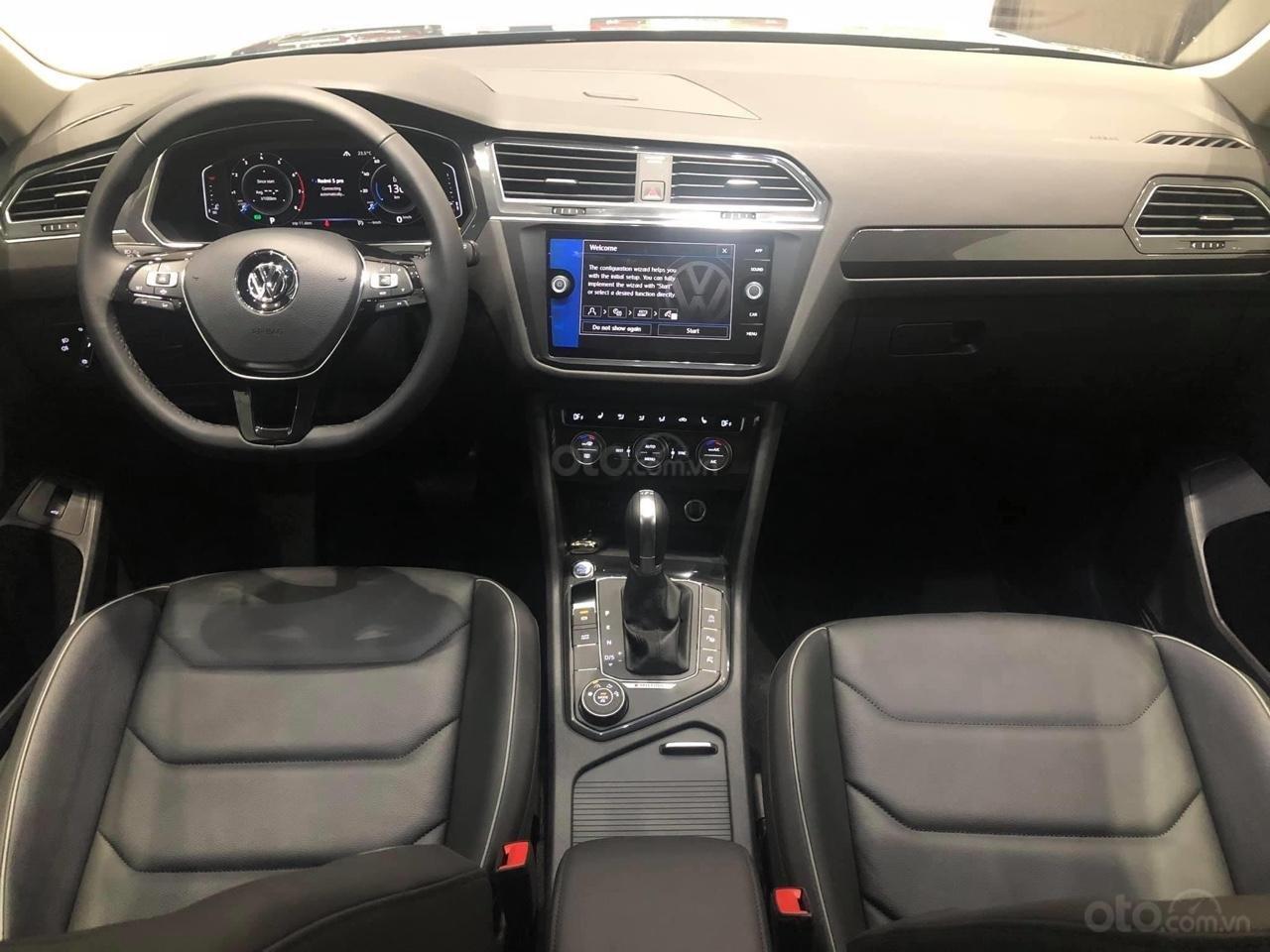 Bán Volkswagen Tiguan Luxury S màu trắng - Phiên bản Offroad - Giá tốt tháng ngâu (11)