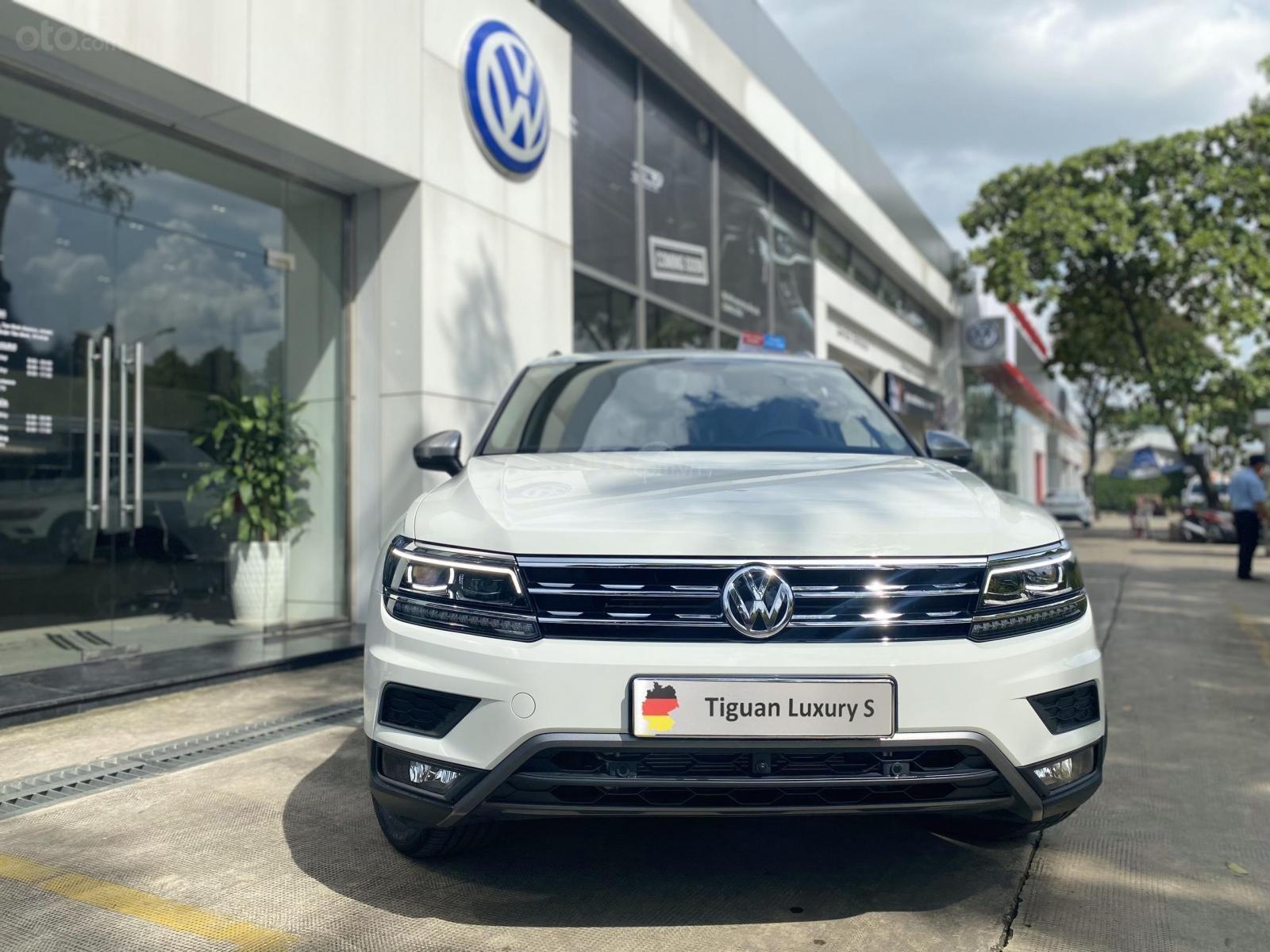 Volkswagen Sài Gòn Tiguan Luxury màu trắng - Giá tốt cho tháng ngâu - 6 màu giao ngay (trắng, đen, đỏ,.. ) - Hỗ trợ vay 80% (6)