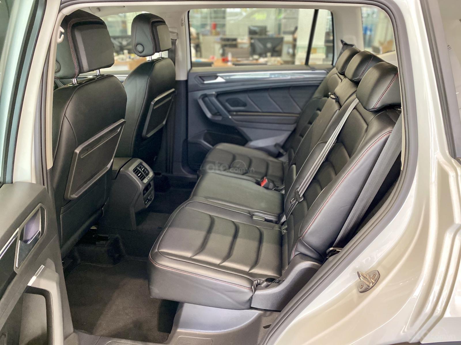 Volkswagen Sài Gòn Tiguan Luxury màu trắng - Giá tốt cho tháng ngâu - 6 màu giao ngay (trắng, đen, đỏ,.. ) - Hỗ trợ vay 80% (9)