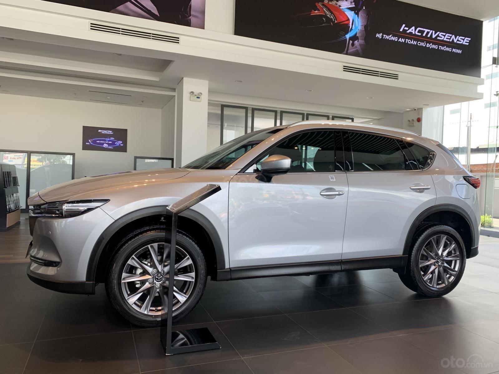 New Mazda CX-5 Premium NO-A - Ưu đãi 140 triệu + giảm 5% TTB + tặng BHVC xe+ gói phụ kiện chính hãng (8)