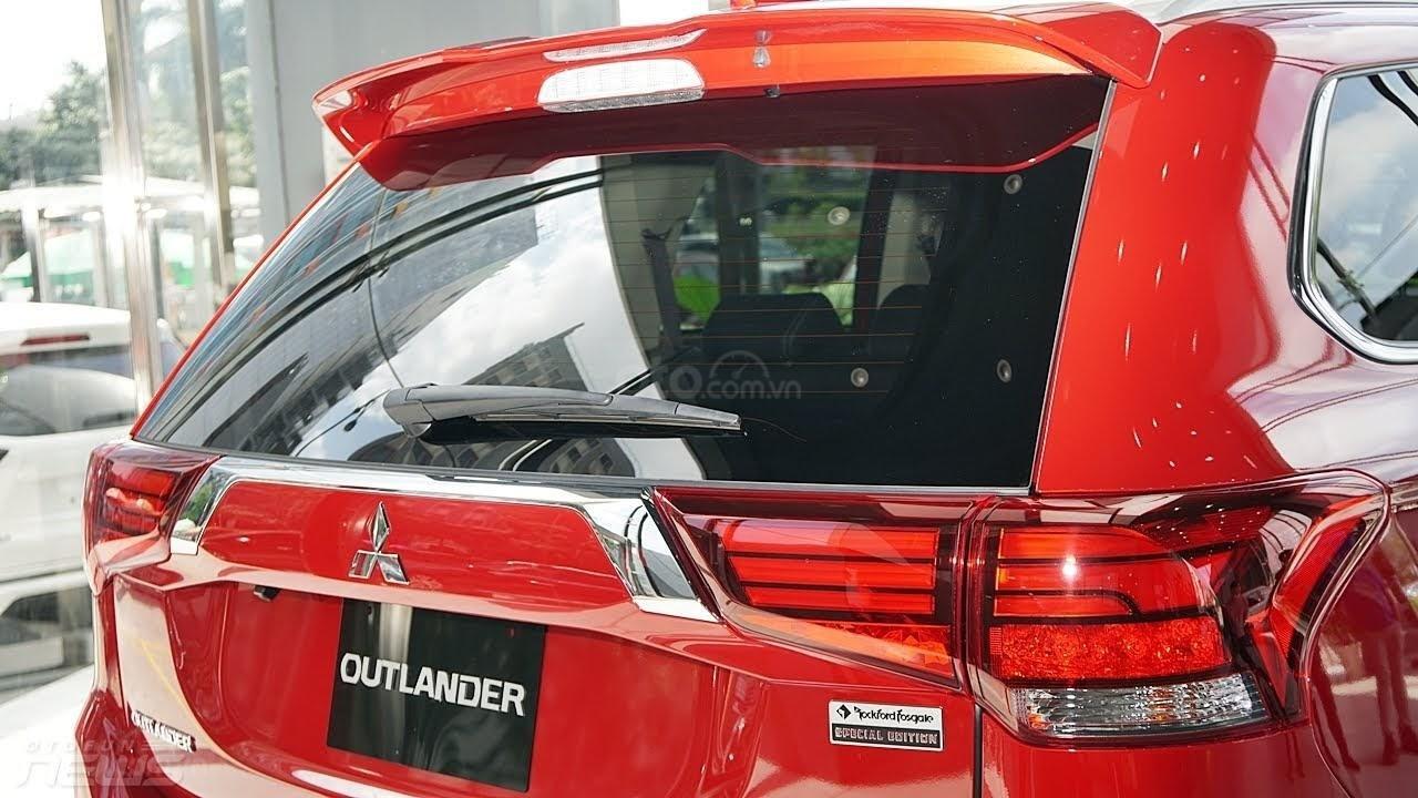 (Hot) Mua xe Outlander tại Mitsubishi Bắc Ninh, giảm 100% thuế trước bạ, tặng full phụ kiện đi kèm, giảm giá tiền mặt (3)