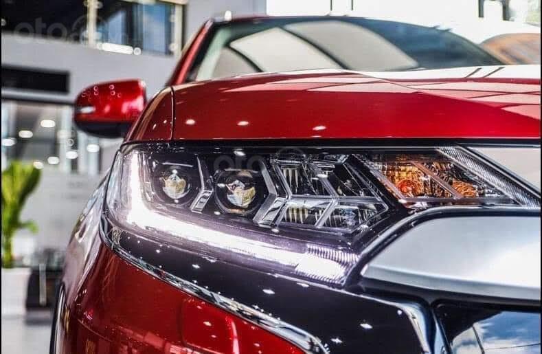 (Hot) Mua xe Outlander tại Mitsubishi Bắc Ninh, giảm 100% thuế trước bạ, tặng full phụ kiện đi kèm, giảm giá tiền mặt (13)