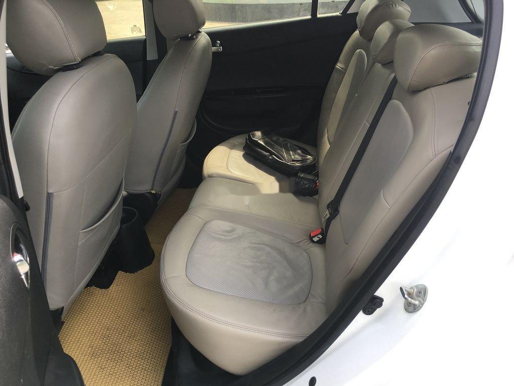 Bán Hyundai i20 1.4AT năm sản xuất 2011, màu trắng, nhập khẩu (10)