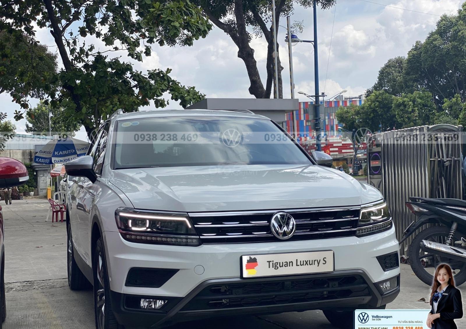 Bán Volkswagen Tiguan Luxury S màu trắng - Phiên bản Offroad - Giá tốt tháng ngâu (2)