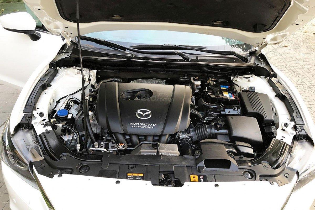 Khoang động cơ Mazda 6 2015 1