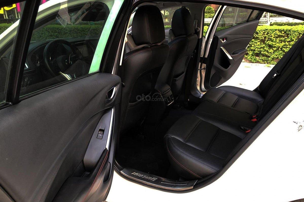 Hàng ghế sau xe Mazda 6 2015 1