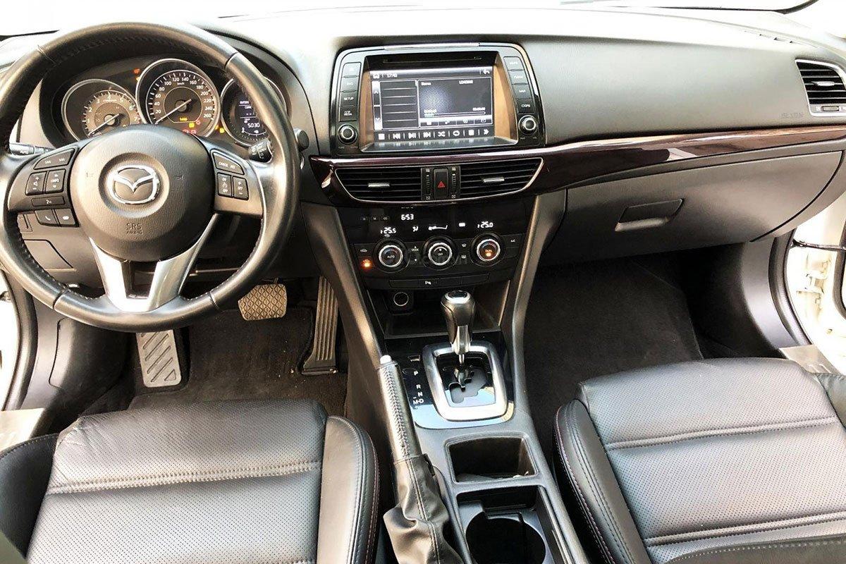 Khoang cabin xe Mazda 6 2015 1