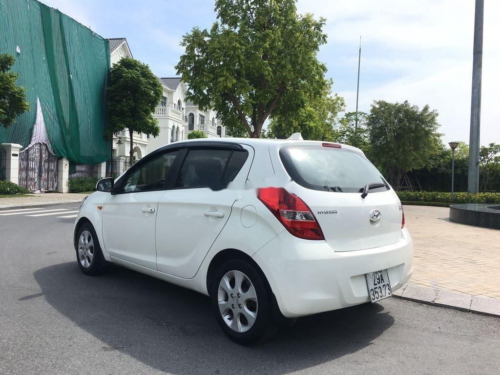 Bán Hyundai i20 1.4AT năm sản xuất 2011, màu trắng, nhập khẩu (5)