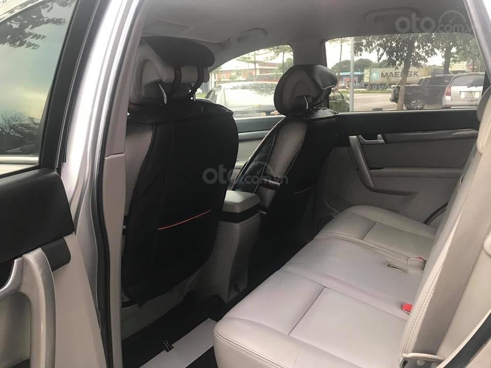 Cần bán Chevrolet Captiva năm 2013, màu bạc, giá tốt 400 triệu đồng (11)