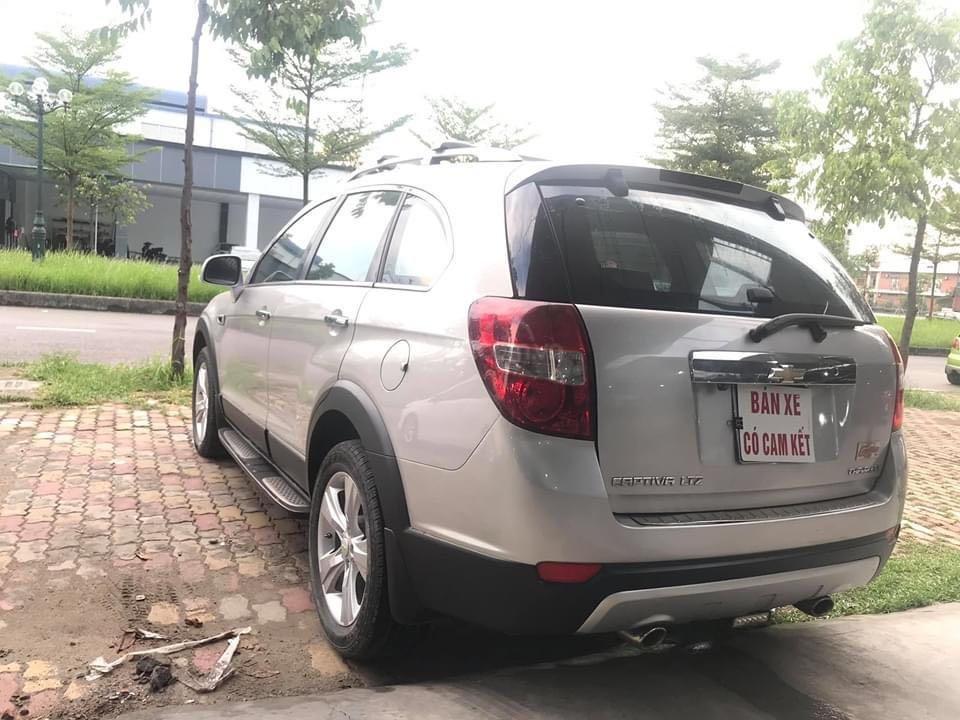 Cần bán Chevrolet Captiva năm 2013, màu bạc, giá tốt 400 triệu đồng (10)