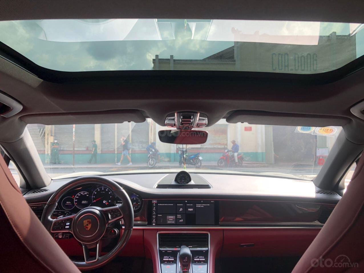 Cần bán xe Porsche Panamera 2018 full cacbon màu trắng, nội thất đỏ (6)