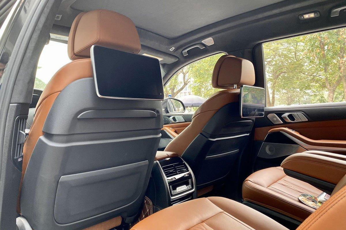BMW X7 2019 sở hữu 2 màn hình giải trí cho hàng ghế thứ 2 1